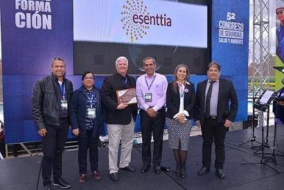Esenttia recibió el galardón como la empresa de Colombia con el más alto desempeño en seguridad, salud y ambiente.